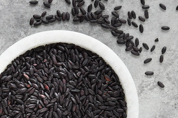 Black Rice, Chinese